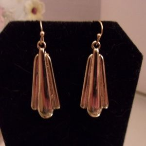 Nwot funky dangle earrings. M30-7